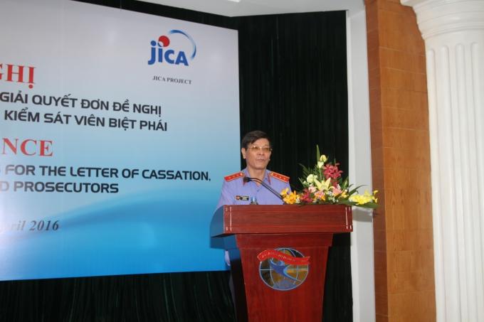 Ông Lê Hữu Thể, Phó Viện trưởng VKSNDTC phát biểu tại Hội nghị.