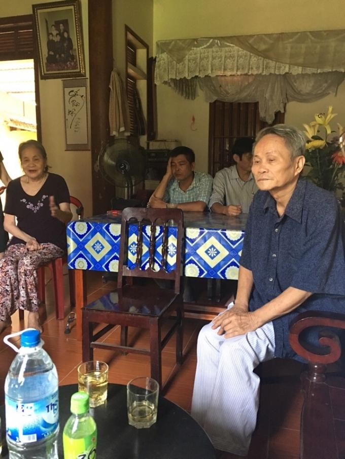 Bố mẹ đẻ chị Đào Thị Hoa và các nhân chứng trong buổi trao đổi với PV Phapluatplus.vn.