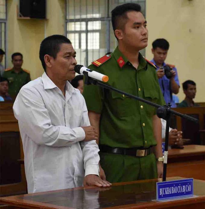 Bị cáo Hữu Bê tại phiên tòa (Ảnh intrenet).