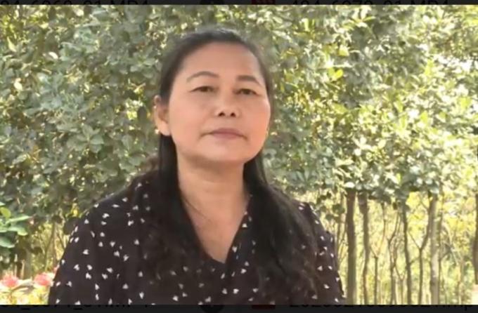 Bà Tạ Thị Liên, Giám đốc Công ty Bút Việt trao đổi với phapluatplus.vn.