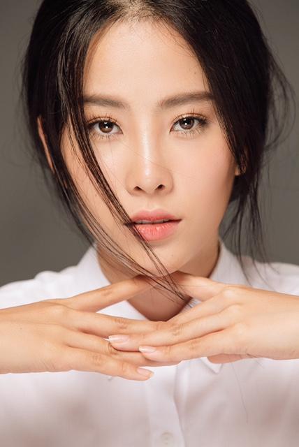 Nam Em lọt vào danh sách Top 50 hoa hậu đẹp nhất năm 2016