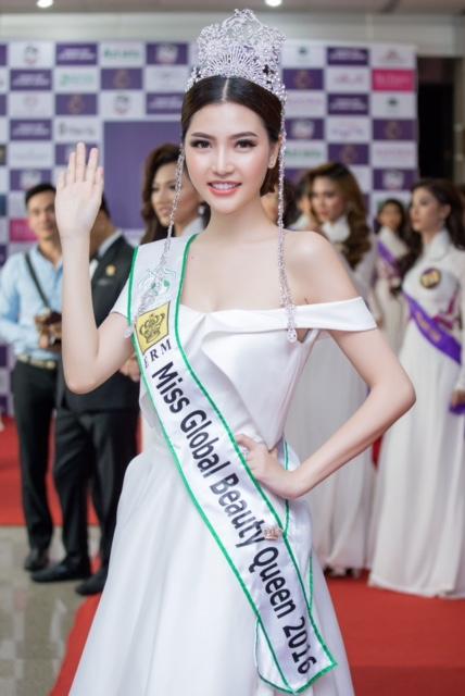 Nữ hoàng sắc đẹp toàn cầu Ngọc Duyên cũng tham gia sự kiện.