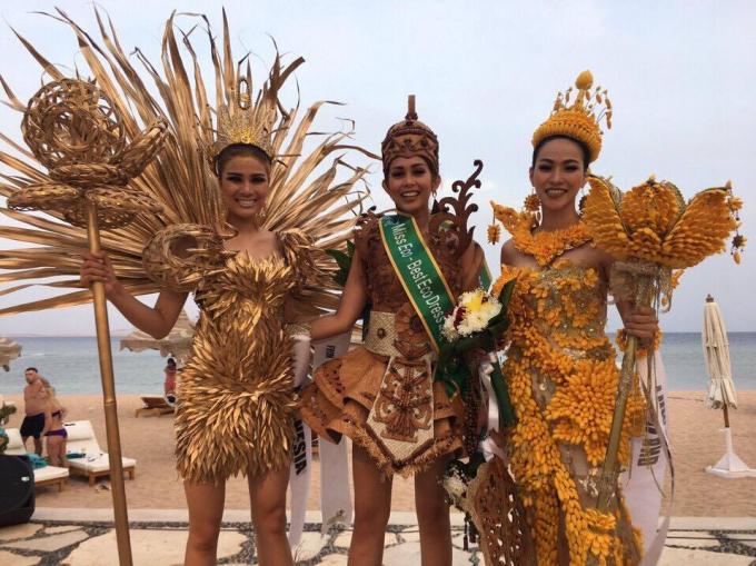 Nguyễn Thị Thành đã đạt giải Á hậu 2 trong phần thi Dress Eco.