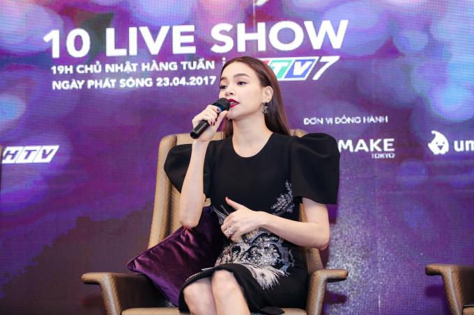 Hồ Ngọc Hà tiết lộ cát xê cực choáng khi ngồi ghế nóng 5 show của