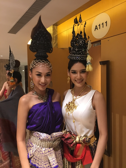 Khánh Ngọc và Hoa hậu Trái đất Thái Lan kiêm Á hậu 2 Hoa hậu Quốc tế 2014 - Polly Punika