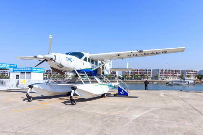 Sau hơn 2,5 năm hoạt động, Hàng không Hải Âu đã phục vụ trên 20000 khách du lịch quốc tế đến từ nhiều quốc gia khác nhau với hơn 2000 chuyến bay được thực hiện. Trung bình mỗi tháng, số lượng khách trải nghiệm dịch vụ lên đến 1200 khách.