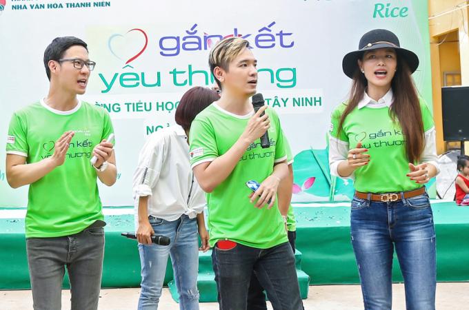 """Sau thời gian ở ẩn, Việt Quang trở lại với """"Gắn kết yêu thương"""""""