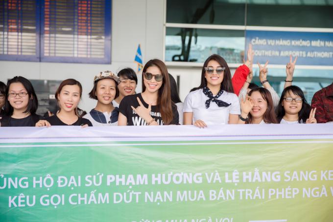 Phạm Hương và Lệ Hằng lên đường sang Kenya.