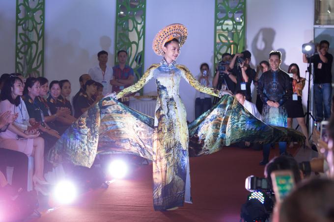 Ảnh của hoa hậu Ngọc Duyên được trưng bày ở viện bảo tàng Phụ nữ Nam Bộ