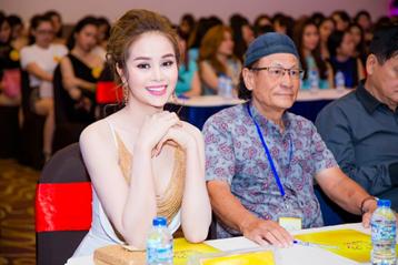 Hoa hậu Sella Trương làm giám khảo tuyển chọn Hoa khôi Nam Bộ
