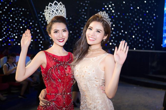 Hoa hậu Tường Linh diện váy đỏ rực tại chung kết Hoa hậu Hữu Nghị ASEAN 2017