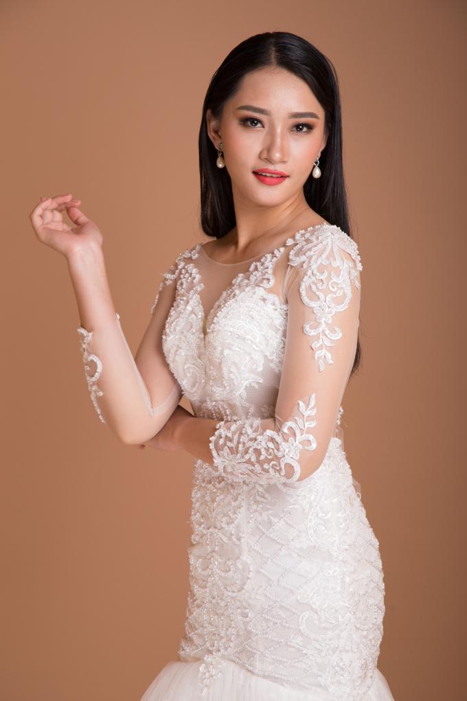 """Xuất hiện cô gái giảm 15kg trong 2 tháng, """"người đẹp lai"""" tham dự Hoa hậu Hoàn vũ Việt Nam 2017"""