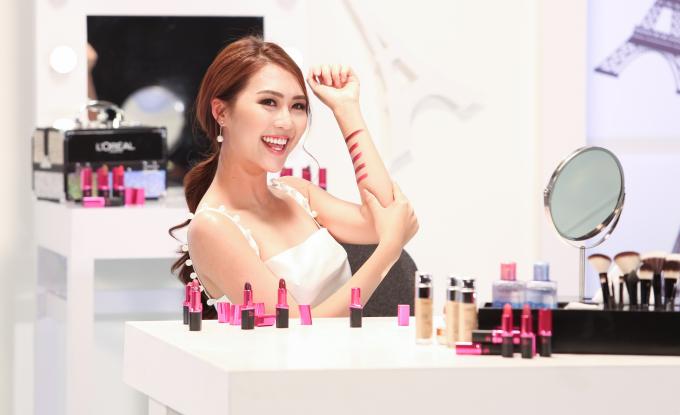 Tường Linh được Beauty Blogger nhận xét là