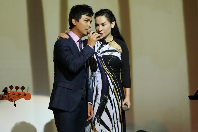Mạnh Quỳnh và Phi Nhung thể hiện những ca khúc từng khiến khán giả