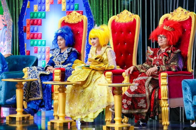 Cô bé 10 tuổi đa tài Hoàng Vân đoạt quán quân Tiếu Lâm Tứ Trụ Nhí