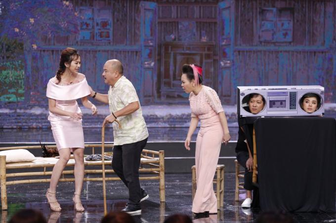 """Danh hài Việt Hương tự tin đọ """"nhan sắc Hoa hậu"""" với Kiều Ngân"""