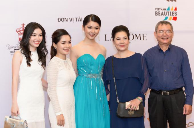 Huỳnh Thị Thuỳ Dung sinh năm 1996, từng đoạt danh hiệu Á hậu 2 Hoa hậu Việt Nam 2016.
