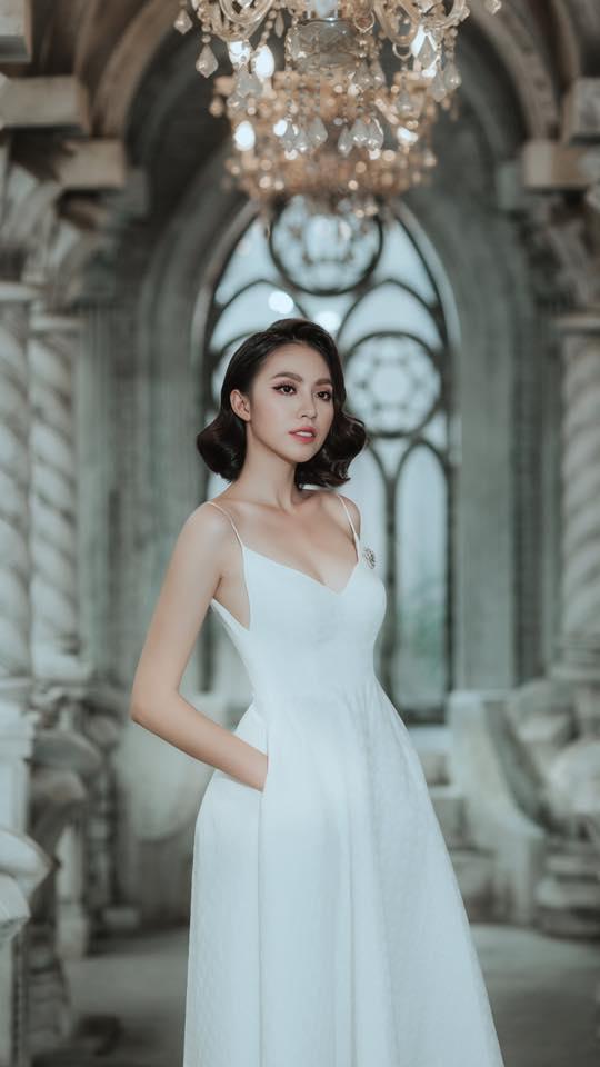 """Chân dài đình đám showbiz """"đổ xô"""" đi thi Hoa hậu Hoàn vũ 2017"""