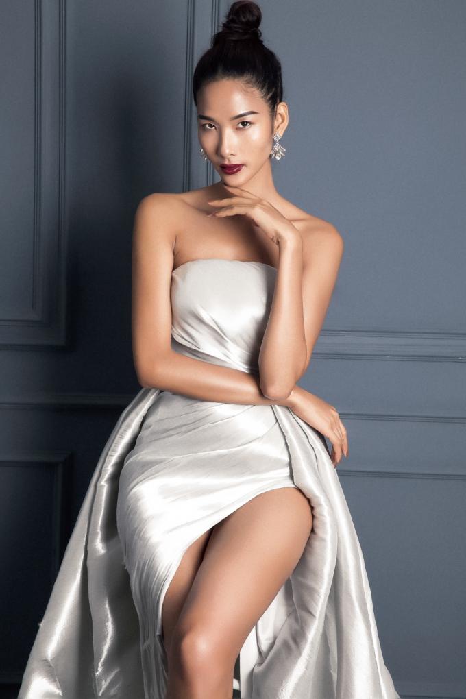 Mới đây,siêu mẫu Hoàng Thùy cũng xác nhận sẽ tham gia cuộc thi HH Hoàn vũ Việt Nam 2017.