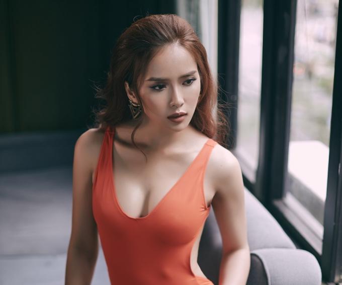 Trước đó, Á khôi người đẹp Hạ Long Ngọc Vân được giao trọng trách này nhưng vì 1 số lý do cá nhân nên vào phút chót, Bella Mai được lựa chọn để thay thế.