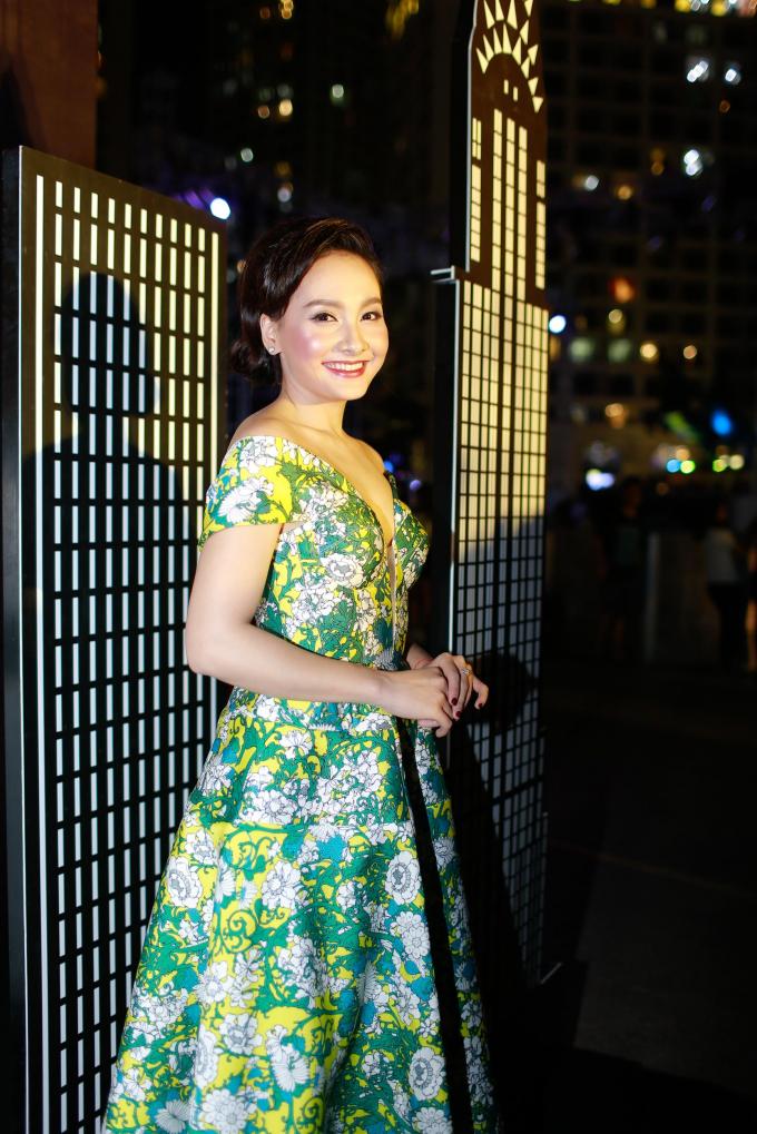 Dàn mỹ nhân Vbiz khoe phong cách, kiểu tóc đẹp miễn chê trong show thời trang