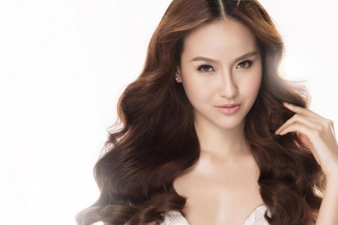 Hoa khôi Khánh Ngân tại cuộc thi Hoa hậu Du lịch Thế giới 2017.