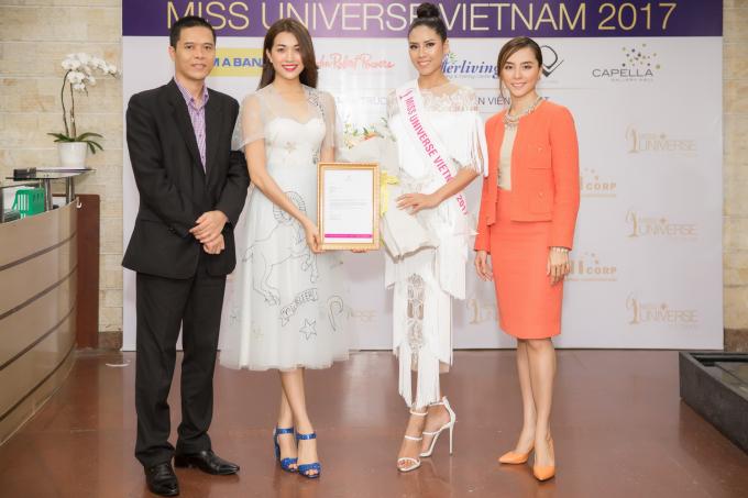 Á hậu Nguyễn Thị Loan được cấp phép tham gia Hoa hậu Hoàn vũ Thế giới 2017