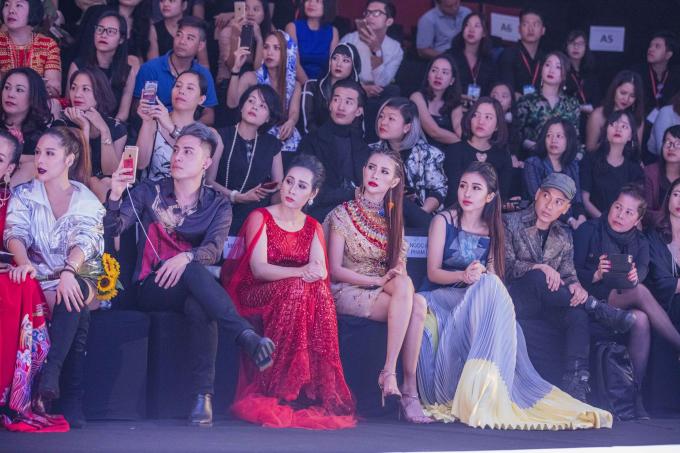 """Miss Tourism Liên Phương """"hóa"""" nữ thần Ai Cập trên thảm đỏ thời trang Hà Nội"""