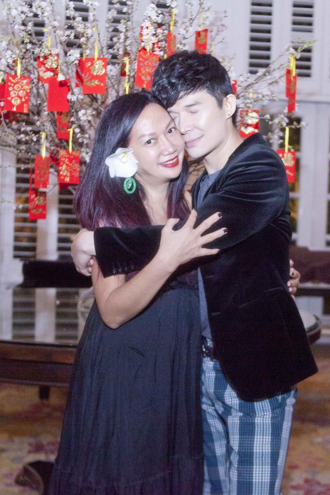 Nathan Lee và Kim Khánh.