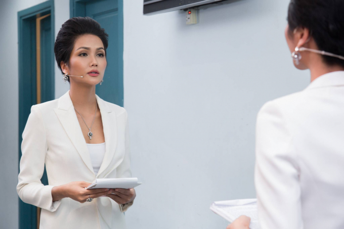 Hoa hậu H'hen Niê lần đầu thử sức làm MC
