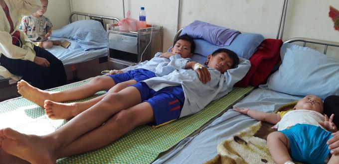 Hiện tại, đã có253 người bị ngộ độc và đang được điều trị tại Bệnh viện Đa khoa Huyện Sông Mã.