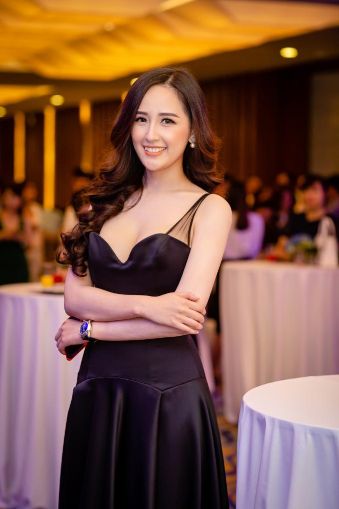 Hoa hậu Mai Phương Thuý giảm 4 kg xuất hiện lộng lẫy quyến rũ tại event Hạ Long
