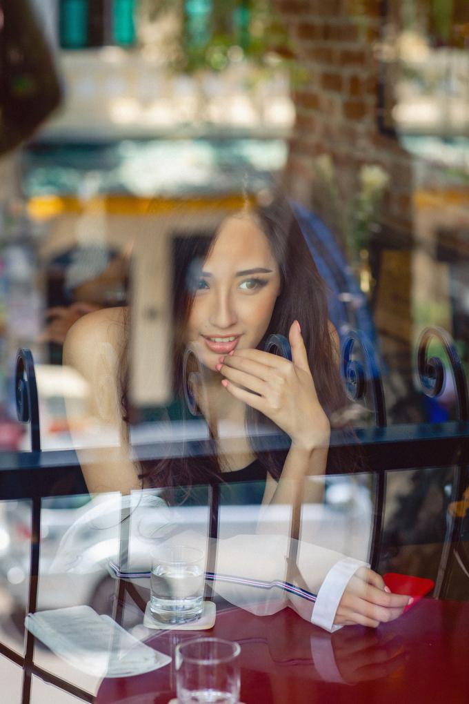 Mai Phương Thuý đẹp mặn mà sau 12 năm đăng quang Hoa hậu Việt Nam