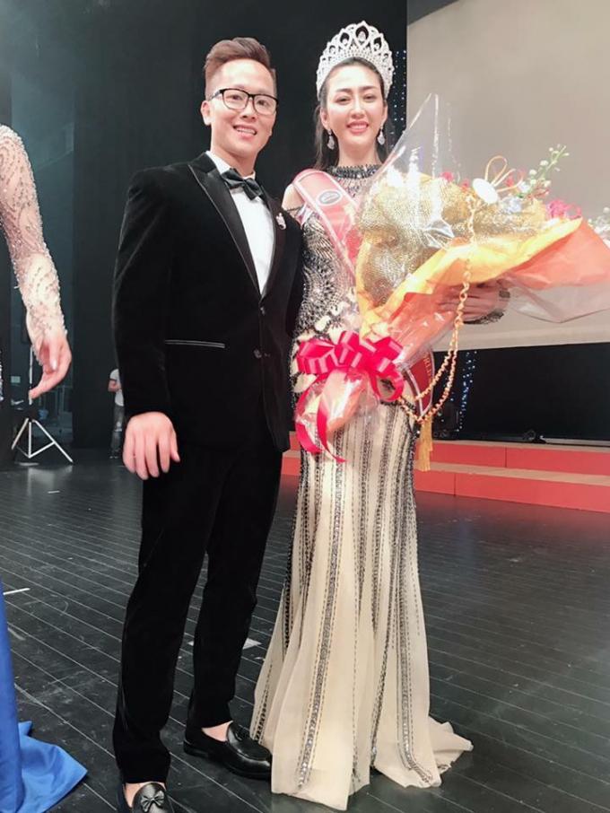 Sau khi đoạt vương miện Hoa hậu, Võ Nhật Phượng sẽ tiếp tục ra mắt nhiều bộ sưu tập mới với các mẫu dạ hội tuyệt đẹp giúp cho các cô gái tỏa sáng.