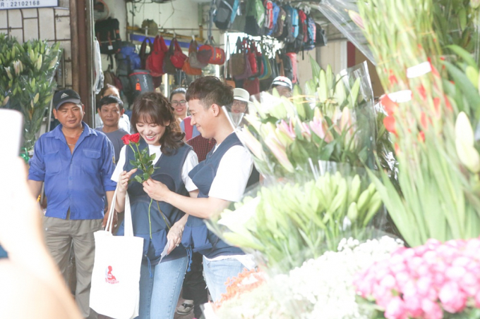 Xúc động khi Hương Giang chia sẻ thời đi học không được bạn bè tôn trọng