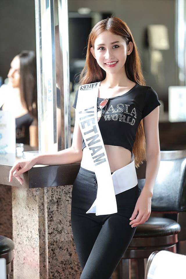 """Chi Nguyễn khá chật vật những ngày đầu khi có mặt tạiLebanonkhi cô phải """"tự thân vận động"""" do cuộc thi phải đến ngày 20/6 mới diễn ra các hoạt động chính thức."""