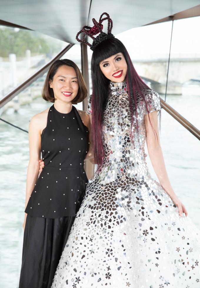 Quỳnh Anh Shyn bất ngờ xuất hiện tại hàng ghế đầu trong show thời trang nội địa Việt tại Pháp