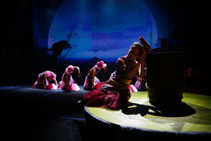 Sau buổi công diễn đầu tiên ngày 26/9,Mỵsẽ tiếp tục được công diễn 10 buổi tại Nhà hát Lớn với thời lượng 75 phút.