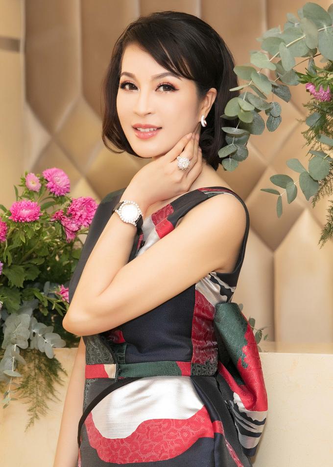 Xuất hiện tại sự kiện, người đẹp khoe vẻ cuốn hút, thần thái rạng rỡ dù ở tuổi 45.Thanh Mai cho biết thời gian qua, cô muốn thử sức bản thân ở nhiều lĩnh vực, bên cạnh nghệ thuật.