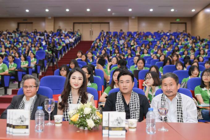 Hoa hậu Thu Ngân tiết lộ từng tìm mọi cách để sửa nói ngọng