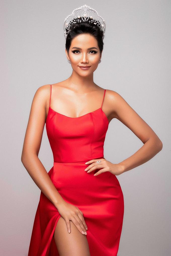 Mãn nhãn ngắm nhan sắc xinh đẹp của Hoa hậu H'hen Niê trước thềm Miss Universe