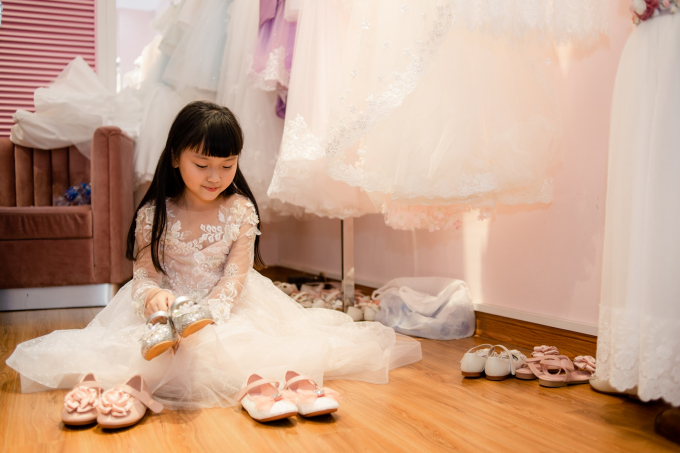 Mẫu nhí háo hức trước thềmTuần lễ thời trang trẻ em Việt Nam Thu – Đông 2018.