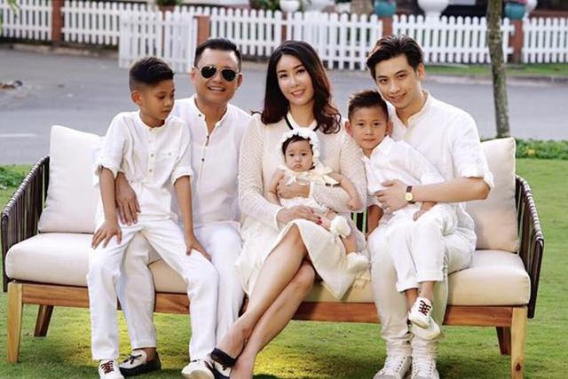 Mẹ con Hoa hậu Hà Kiều Anh sẽ tham gia trình diễn.