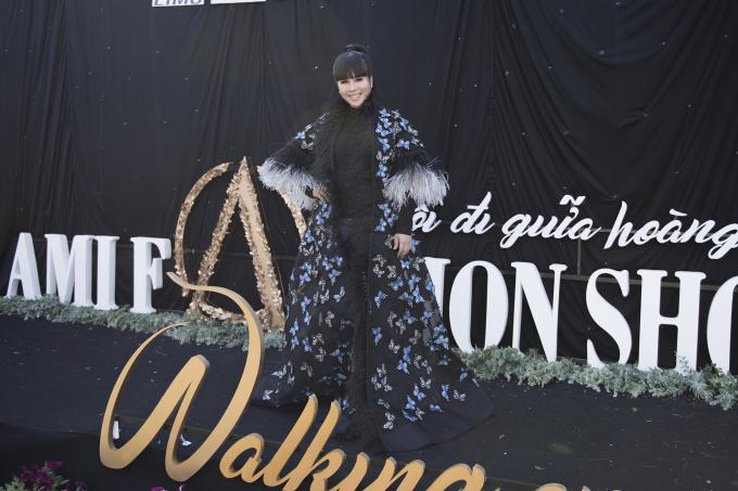 Sự xuất hiện của đông đảo các nhan sắc, nghệ sĩ, ca sĩ làng giải trí góp phần giúp cho AMI Fashion show 2018 diễn ra thêm phần thành công trọn vẹn...