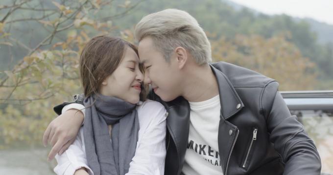 Minh Tít và Hồng Anh Kichi hẹn hò lãng mạn.