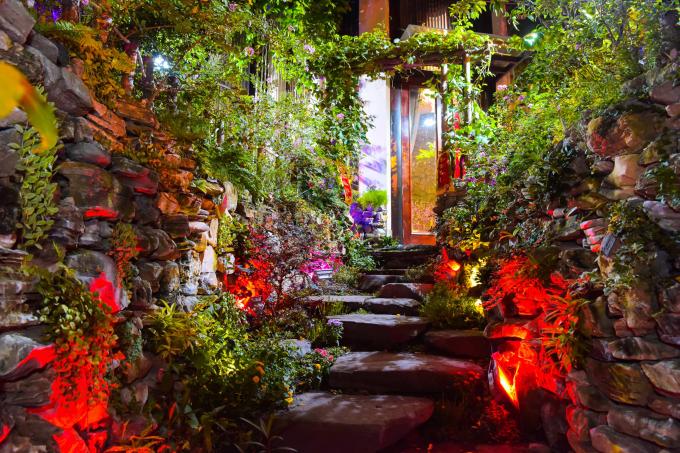 Showbiz tìm đâu ra nghệ sĩ chu đáo như Đàm Vĩnh Hưng, tự tay trang trí nhà cửa hoành tráng thế này