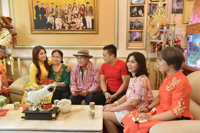 Lý Hương làm MV ca nhạc tặng gia đình nhân sinh nhật