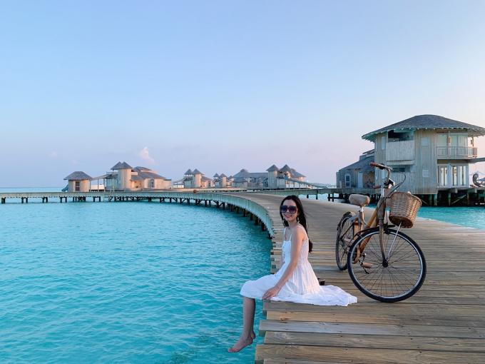 Huỳnh Vy trải nghiệm ở Maldives.