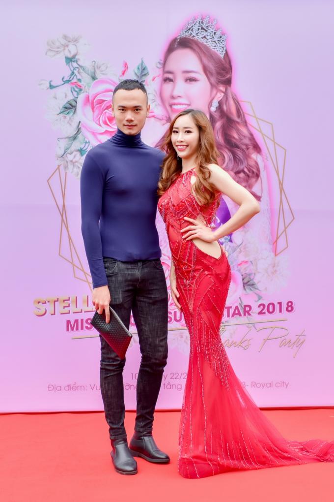 Á quân Vietnam's Nextop Model 2014 Phạm Duy Anh nổi bật tại sự kiện bởi chiều cao ấn tượng.