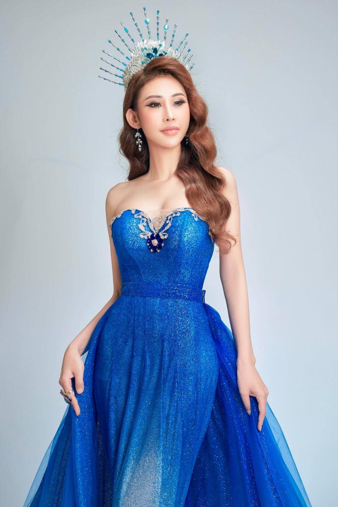 Kể từ khi đăng quang ngôi vị cao nhất tại cuộc thi nhan sắc quốc tế, Chi Nguyễn nhận được sự quan tâm lớn của công chúng và truyền thông. Người đẹp liên tục xuất hiện trong các sự kiện lớn, chương trình truyền hình và là gương mặt của nhiều thương hiệu mỹ phẩm.Bản thân Chi Nguyễn cũng thừa nhận, ngôi vị Hoa hậu tại Miss Asia World 2018 đã mở ra cho cô nhiều cơ hội bất ngờ.